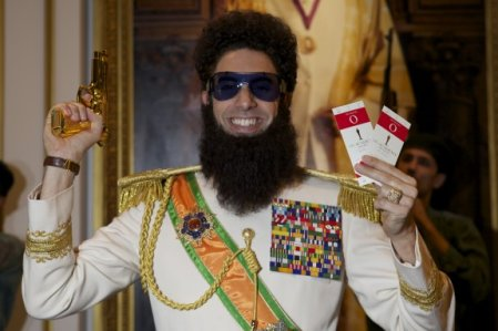 El dictador (2012)  El-dictador2