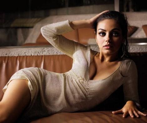Mila Kunis sexy.