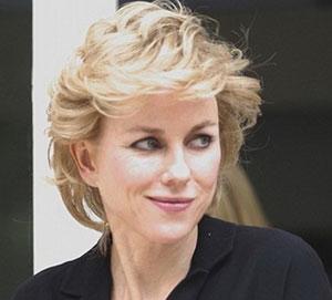 Naomi Watts como Diana de Gales.