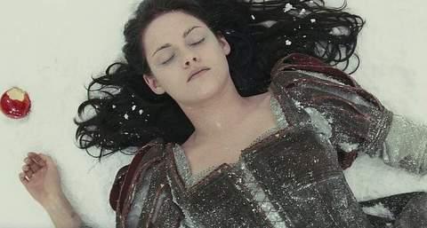Kristen Stewart es Blancanieves.