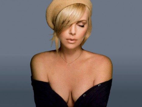 La sexy Charlize Theron