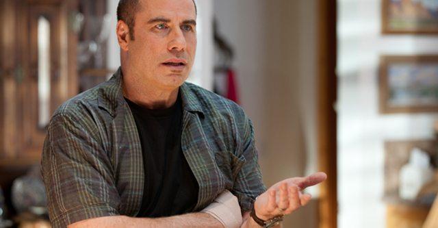 John Travolta el malo de James Bond
