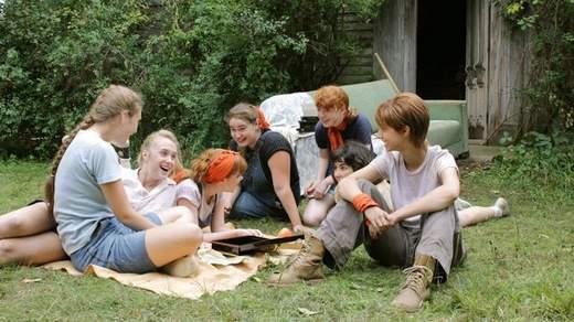 Foxfire-confesiones-de-una-banda-de-chicas-criticas-cineralia
